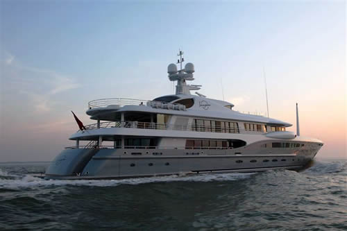 Yachts-The-Amels-Motor-Yacht-Imagine-Underway
